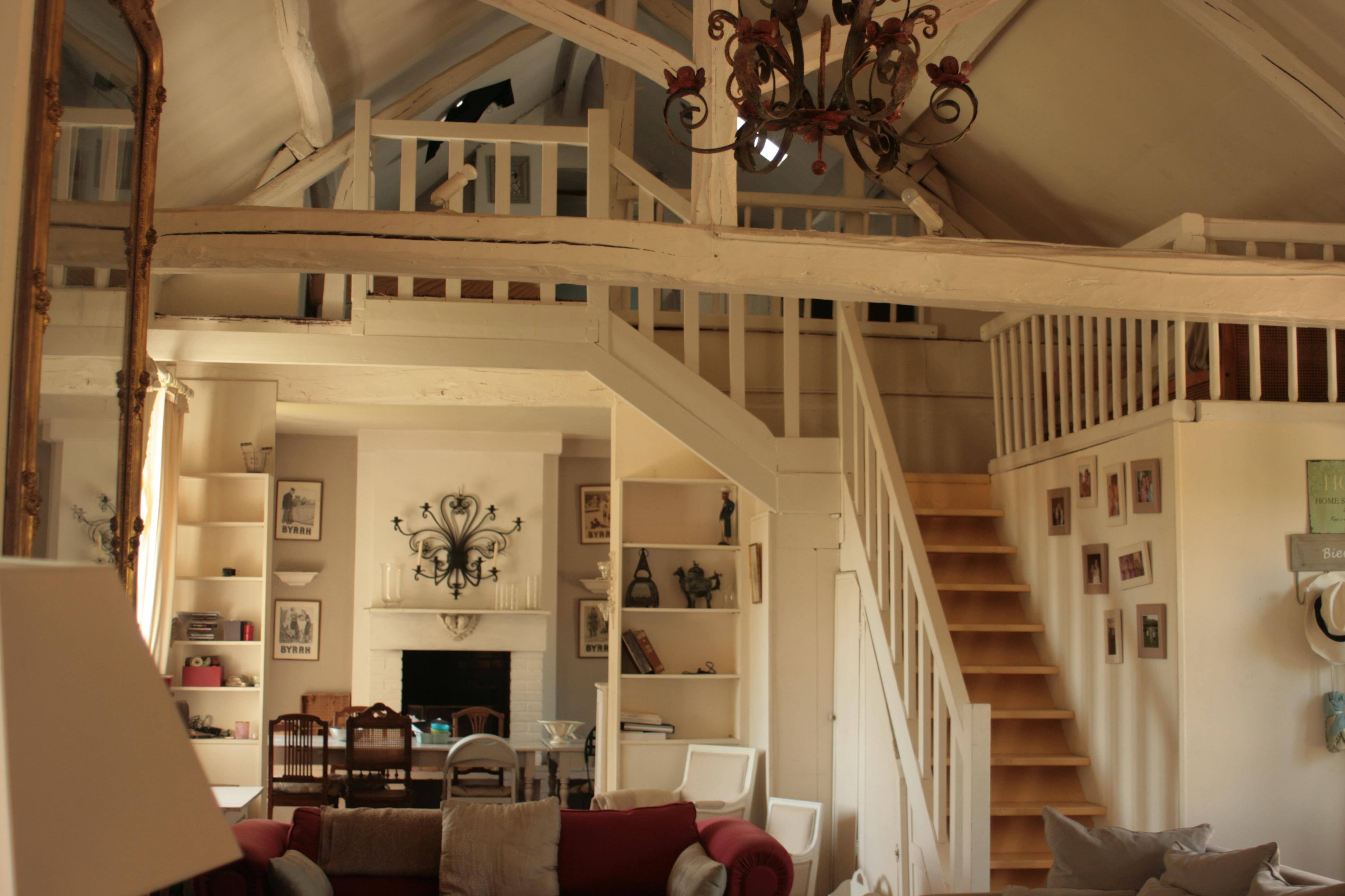 a louer m millon les manoirs de memillon. Black Bedroom Furniture Sets. Home Design Ideas